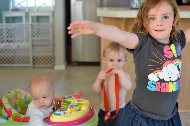 A little dance break for baby and his cousins S and T